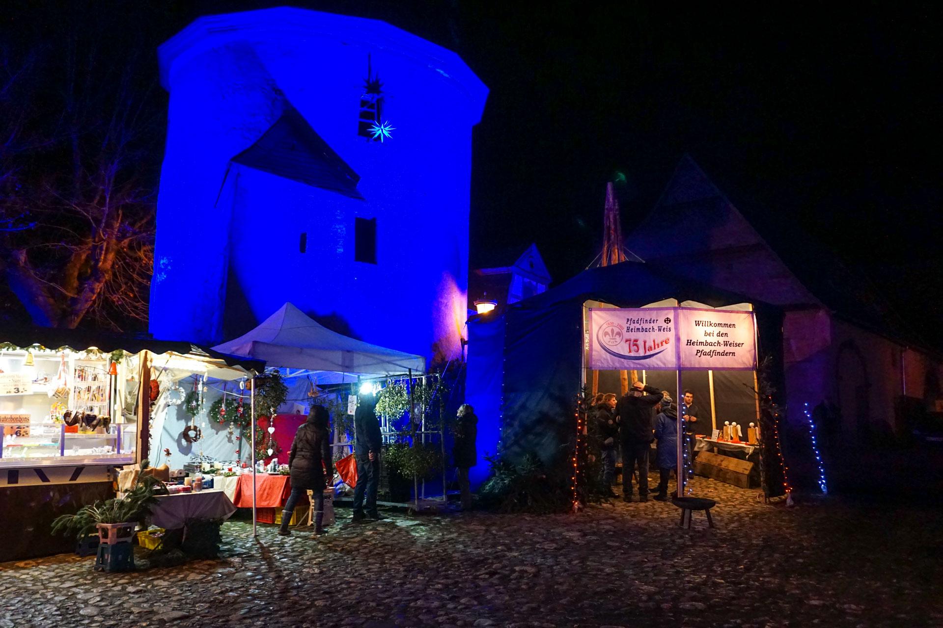 Pfadfinder Heimbach-Weis auf dem Weihnachtsmarkt in Rommersdorf